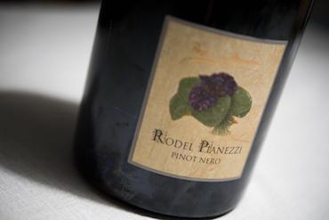 Una Corona per il Pinot Nero: Rodel Pianezzi 2015