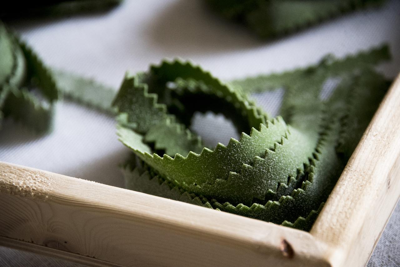 Pappardelle verdi con il ragù