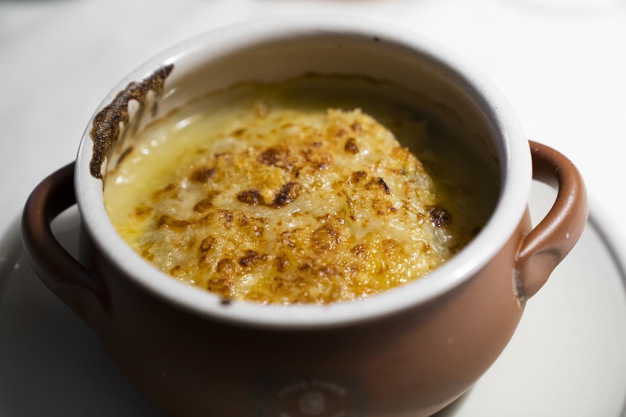 Soupe a l'oignon a la provençale