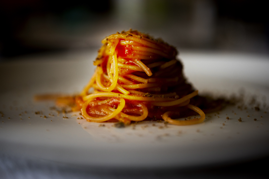 Spaghettini nei pomidoro, polvere d'oliva