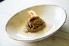 Spaghetti di farro, fondo di cipolla arrosto e pistilli di zafferano